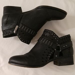 """Vince Camuto """"calley"""" leather sz 8 ankle booties"""
